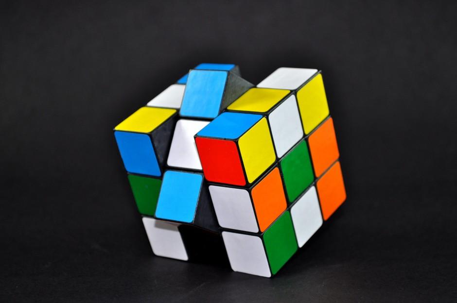 stockvault-rubiks-cube-115240